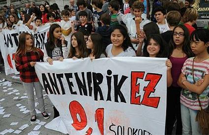 Piden reubicar a los alumnos del instituto vasco de Solokoetxe ante el fallecimiento de uno de los alumnos